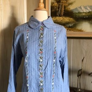 Orvis Vintage Floral Embroidered Pleated Top